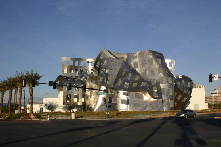 Frank Gehry y su estilo deconstructivista